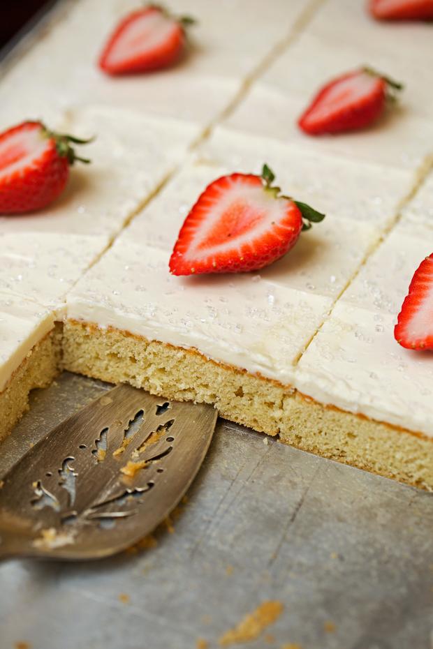 Vanilla Sheet Cake With Chocolate Mousse Fillingrecipes