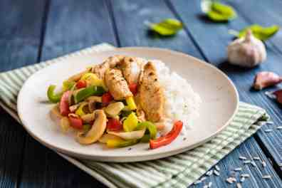 No-Cook Meal Prep Ideas: Chicken, rice and vegetables
