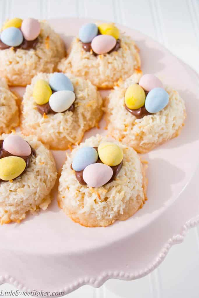 Deliciously crispy on the outside, sweet and chewy on the inside. These tasty little treats are perfect for Easter and fun for kids.