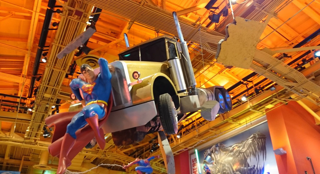 Voyage, mes incontournables pour visiter new-york, time square, toys store