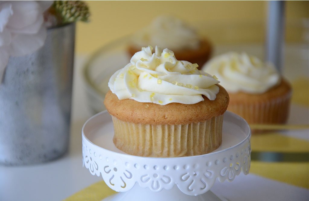 Recette simple et gourmande de cupcakes au lemoncurd avec un glaçage au mascarpone et au citron