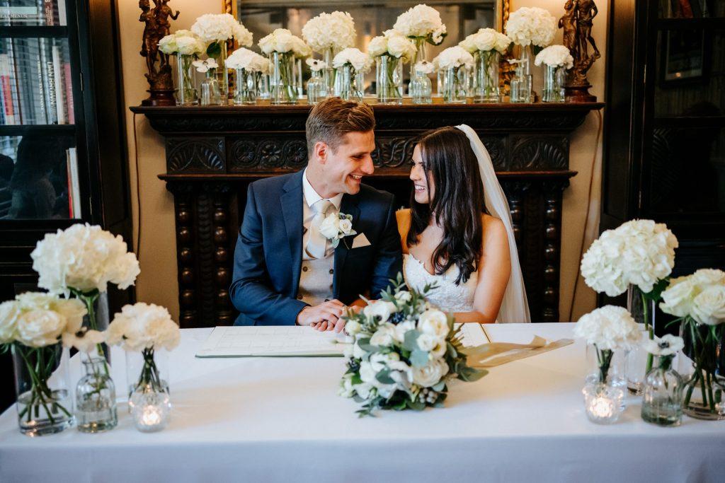 Contemporary elegant   wedding flowers