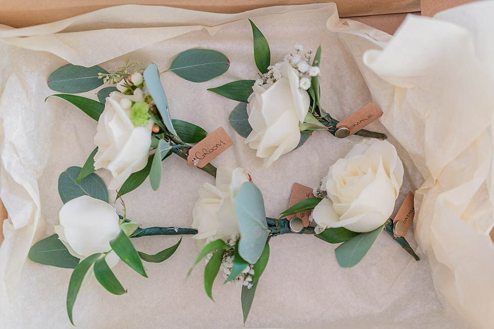 Little-Tin-shed-weddings-buttonholes