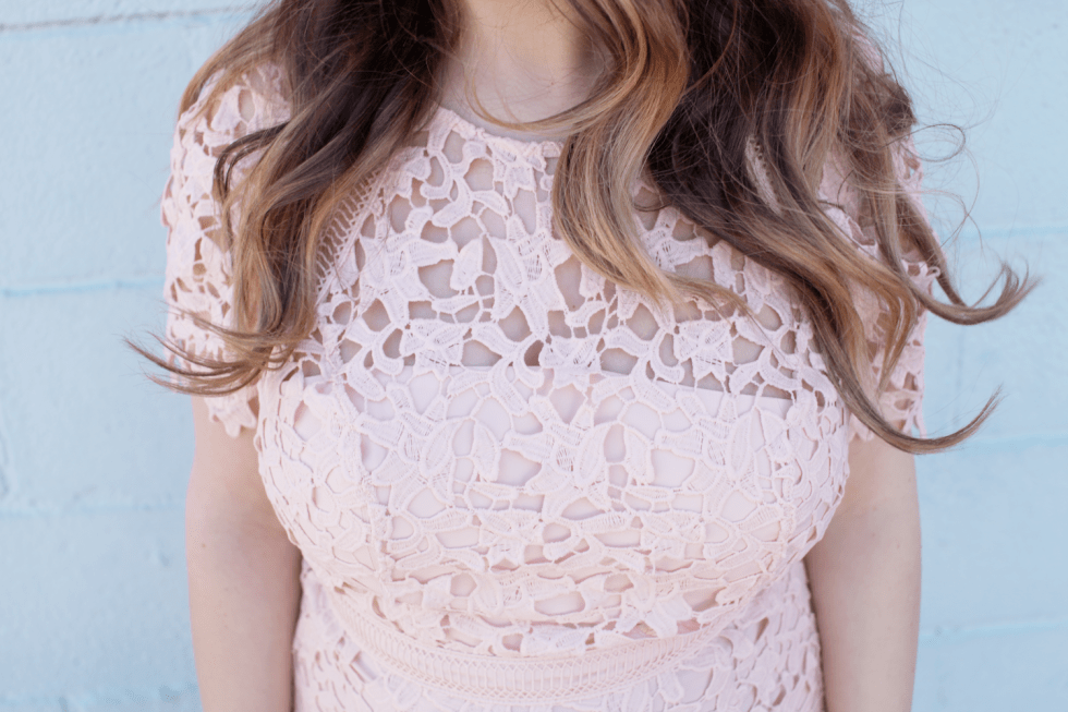 Are you on the hunt for easter dresses? Little Tree Vintage, a fashion and lifestyle blogger is sharing the perfect easter dress! | Pink Dress for Easter detailed top