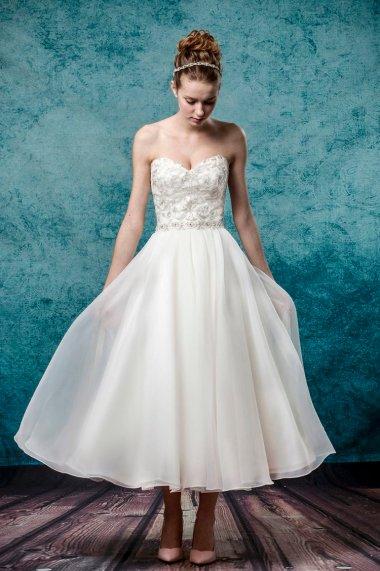 Leis Atelier - Wonderful Wedding Supplier - Little Tree Weddings (11)