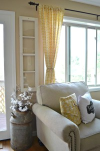 4 Reasons You Should Decorate with Old Windows