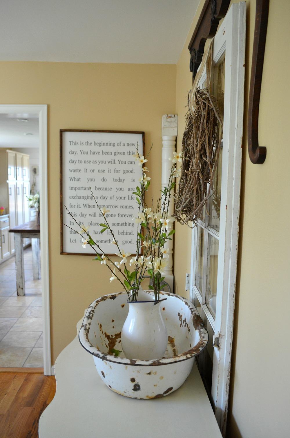 Simple Farmhouse Style Dining Room - Little Vintage Nest