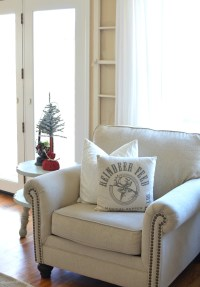 Cozy Christmas Living Room - Little Vintage Nest