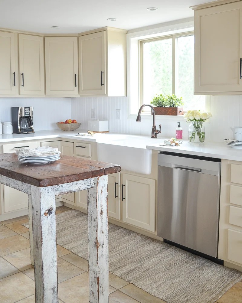 Farmhouse Style Kitchen Makeover