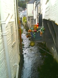 Alleyway or waterway?