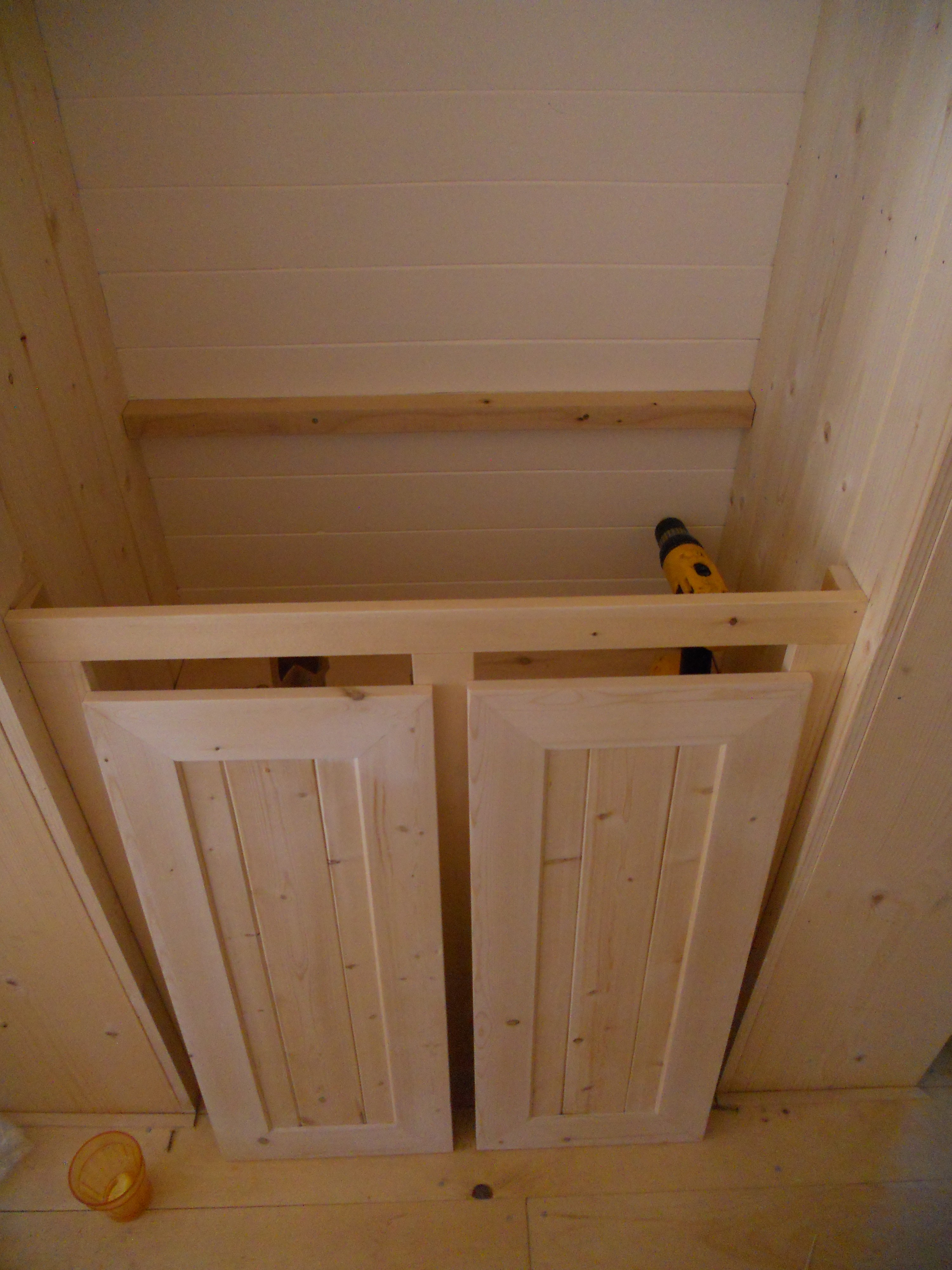 Wood How To Build A Builtin Linen Cabinet PDF Plans