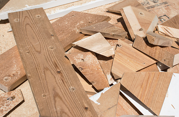 A pile of test wood cuts