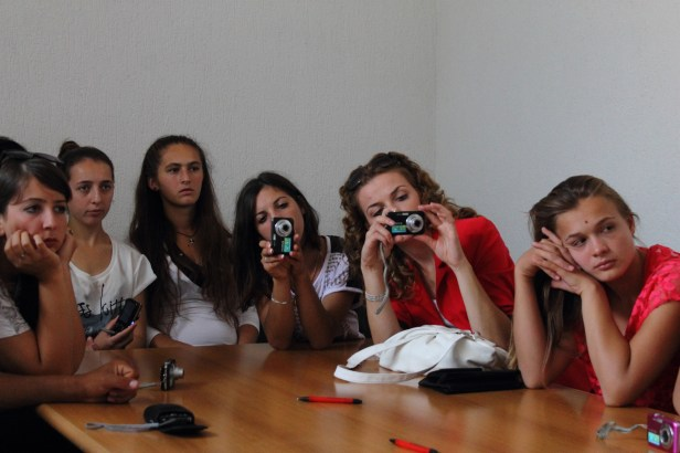 Photography workshop by laura Puska in Mundesia, Mitrovica