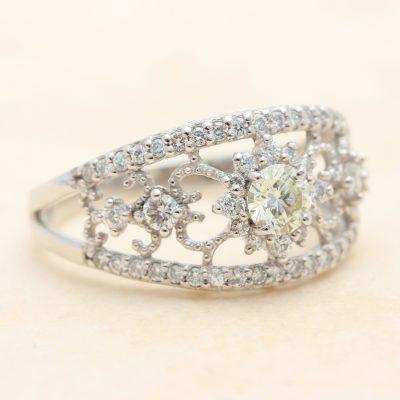 指輪:ダイヤ0.75ct ¥212,000