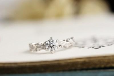 アンティーク調のミル打ち婚約指輪(H様オーダーメイド)