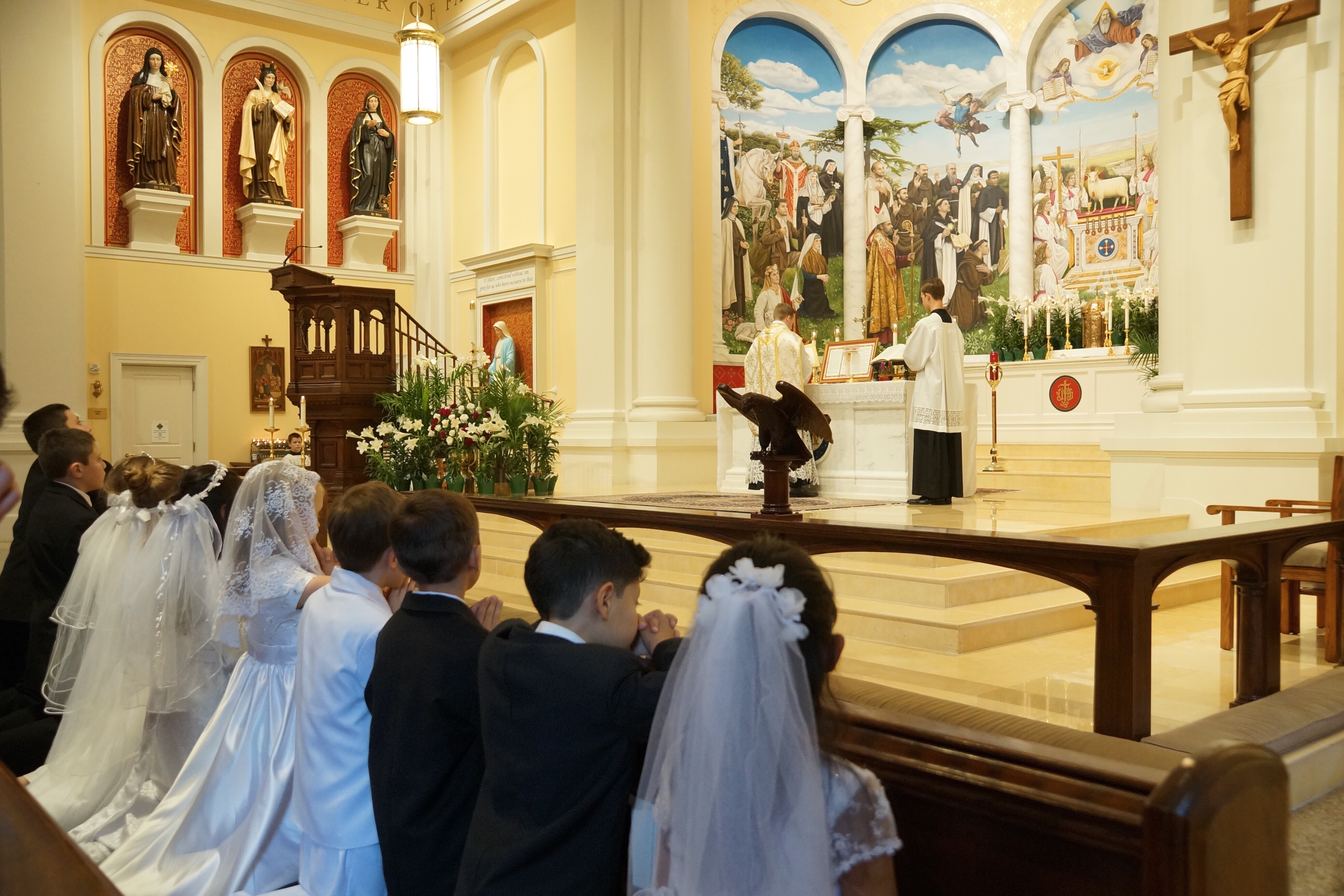 Photopost First Holy Communion In The Traditional Mass