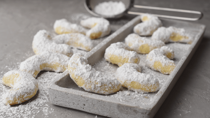 Traditional Christmas Cookies Around The World — Vanillekipferl