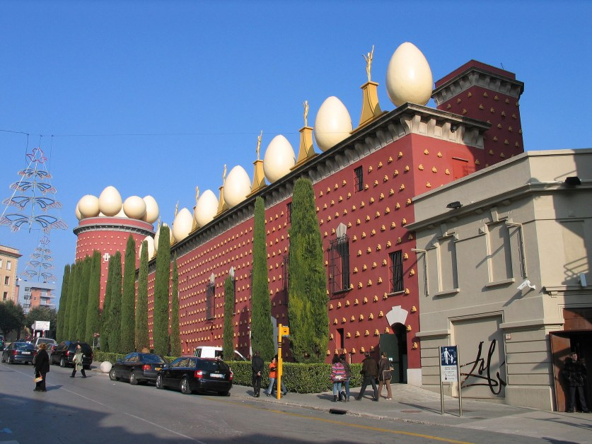 Le Musée-Théâtre Dali, à Figueres, est une excellente raison de parfaire votre culture si vous passez l'hiver en Espagne