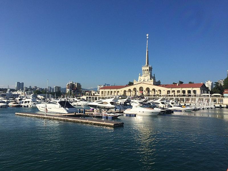 Le port de Sochi, un air de Riviera