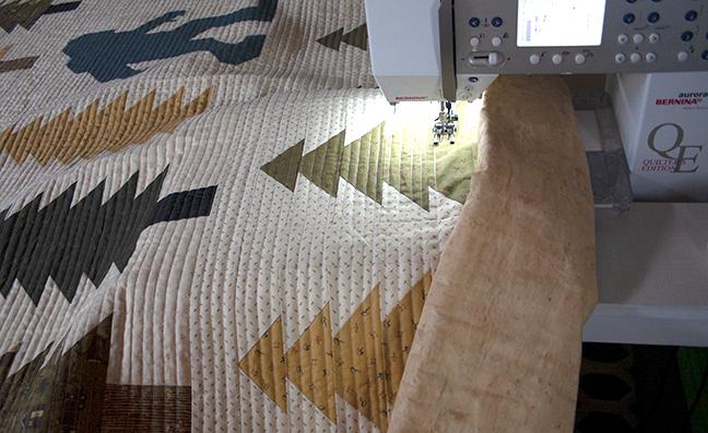 Quilting my Lumberjack Aaron quilt