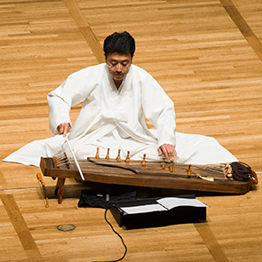 """Sang-hun Kim performs a solo ajaeng in a premiere performance of """"When He Was 600 Years Old"""" by Hi Kyung Kim"""