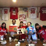 糸島Banzoで広島カープ一岡選手の誕生会を開く