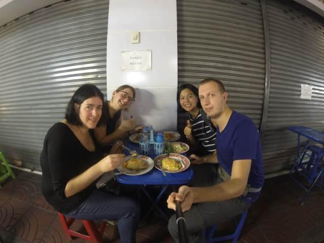 repas dans chinatown a Bangkok
