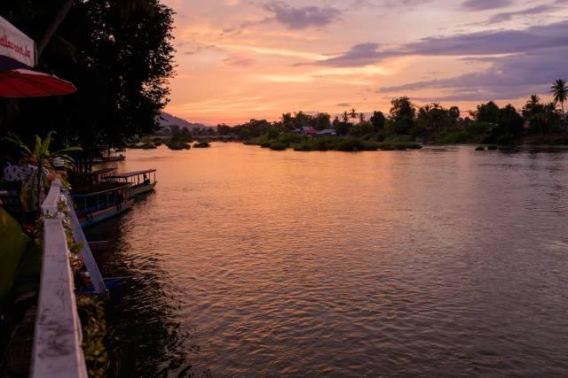 coucher soleil mekong don khon