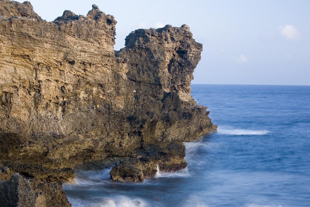 貓鼻頭2 | 為臺灣尾端雙角之一,亦是巴士海峽與臺灣海峽的分界。 | retrue chin | Flickr