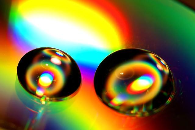 Des gouttes pleines de couleurs