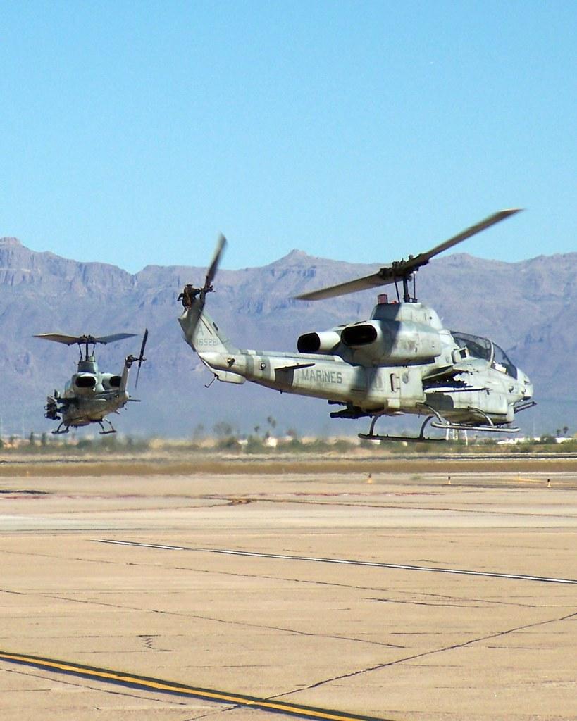 Bell AH-1W Super Cobra 165284 Bell AH-1W Super Cobra 16528…   Flickr