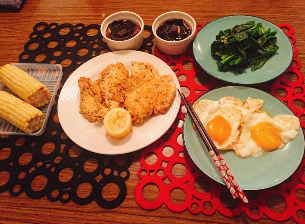 #Dinner.. ?還說太少吃不飽 #buttermushrooms | Peeress | Flickr