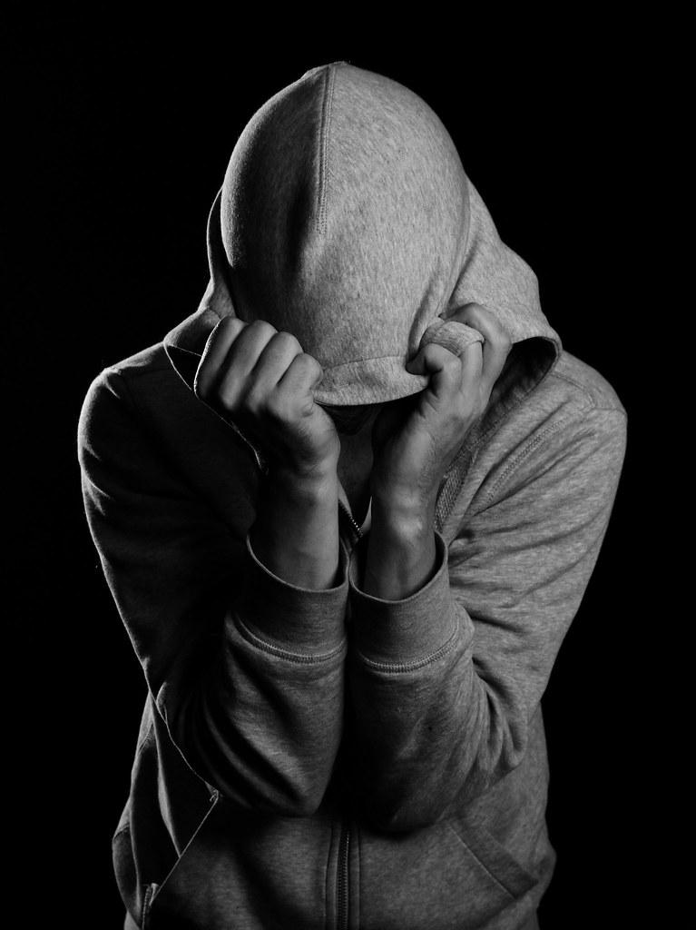 Angst  Anxiety  Selvportrett med hettegenser  Self