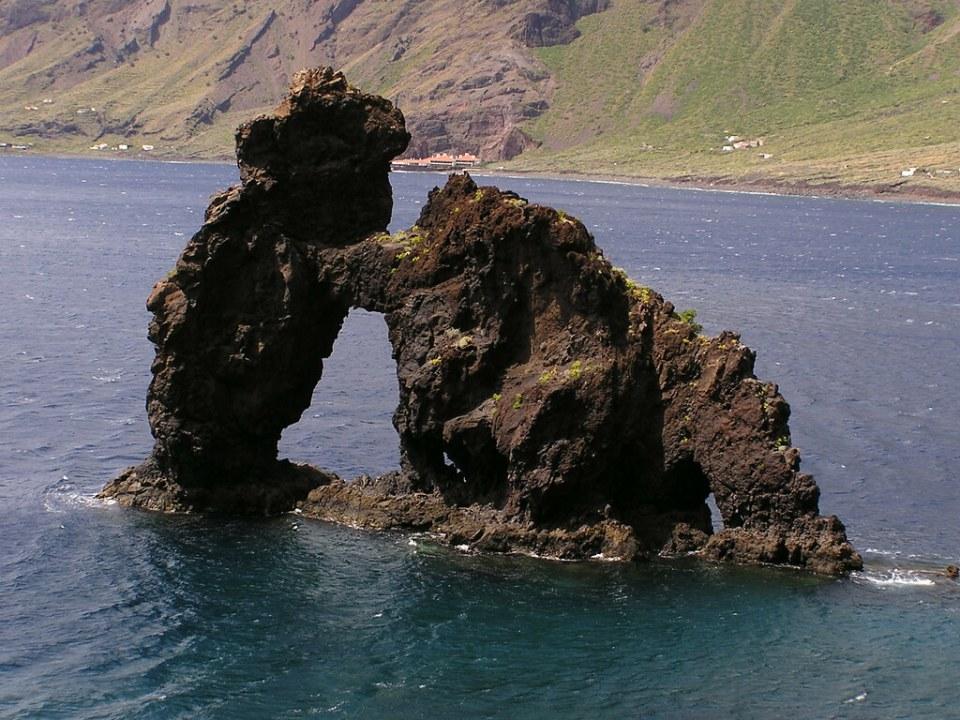 Roque de la Bonanza Bahia de Las Playas Valverde isla de El Hierro