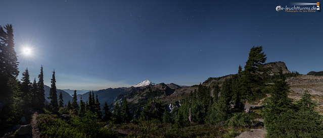 Full moon above North Cascades