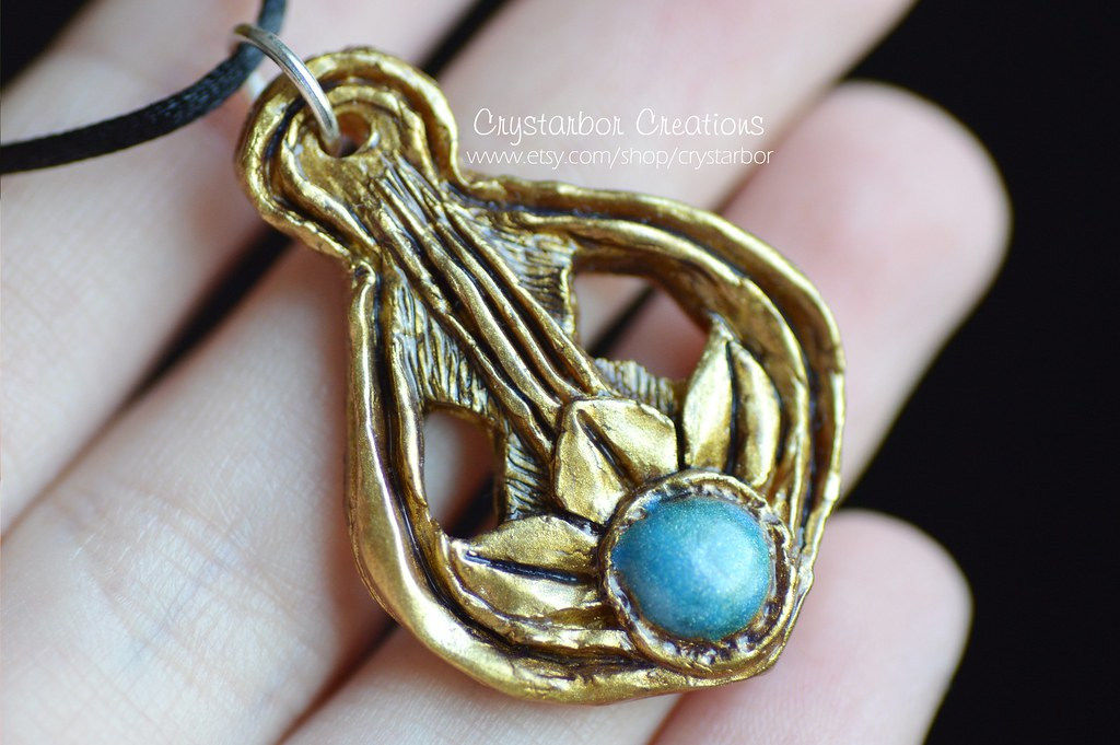 amulet of dibella necklace