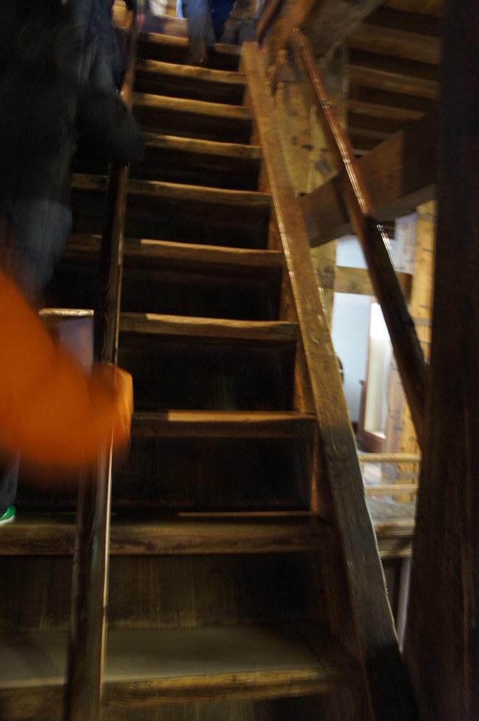 DSC03319 很陡的樓梯 一共六樓   SONY DSC   Josie Liao   Flickr