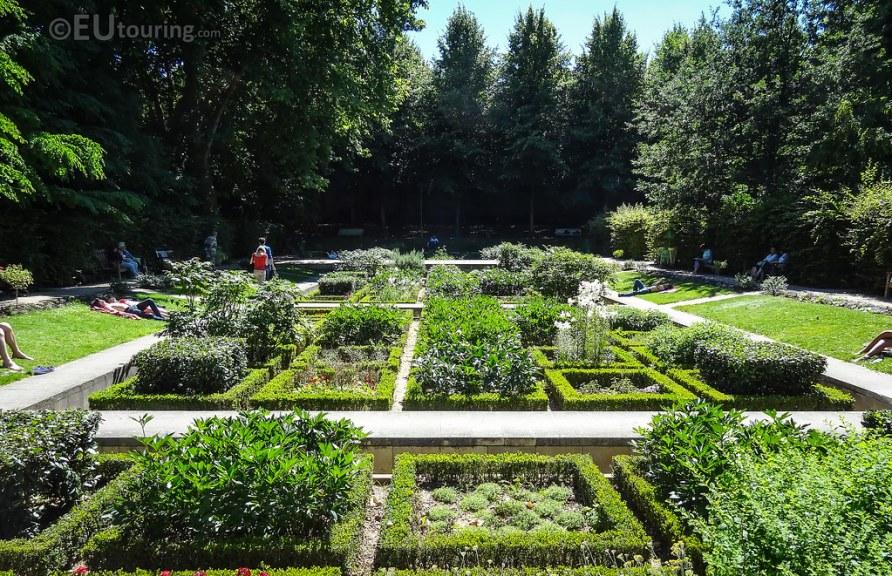 Jardin des Senteurs within Bercy park