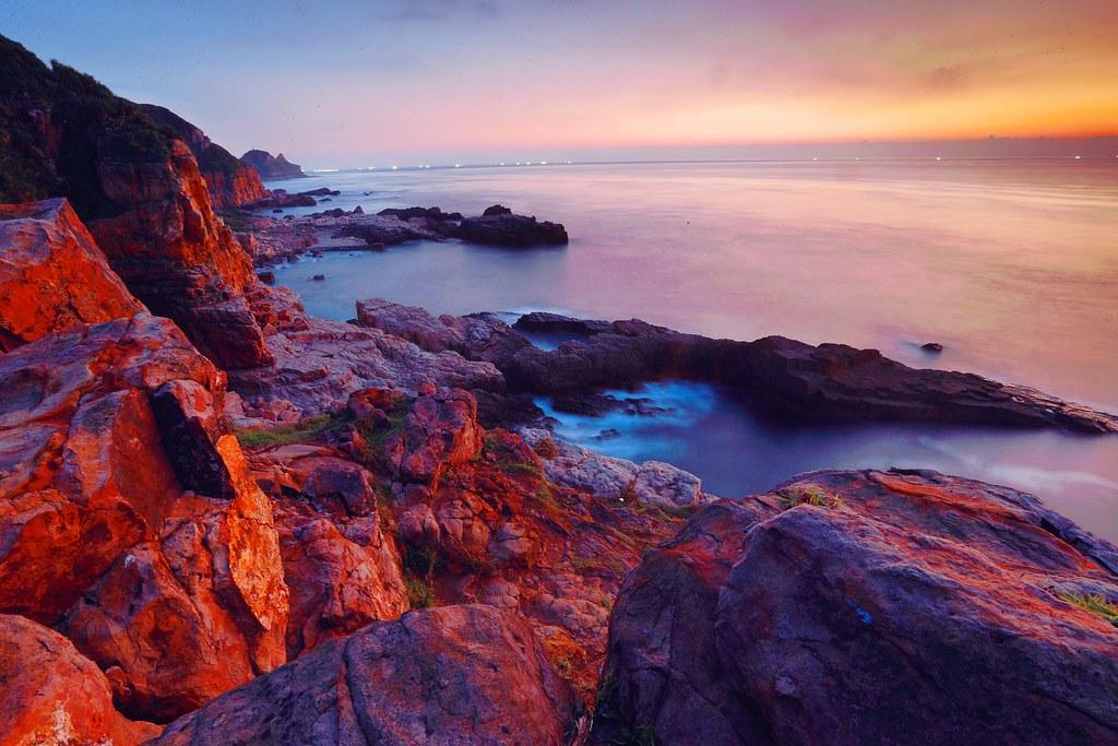 DP1U4608-1   每逢夏天季節 臺灣東北角海岸 陽光普照 如碰天空特別蔚藍 晴空萬里 雲朵變化多端 是風景攝影最 ...
