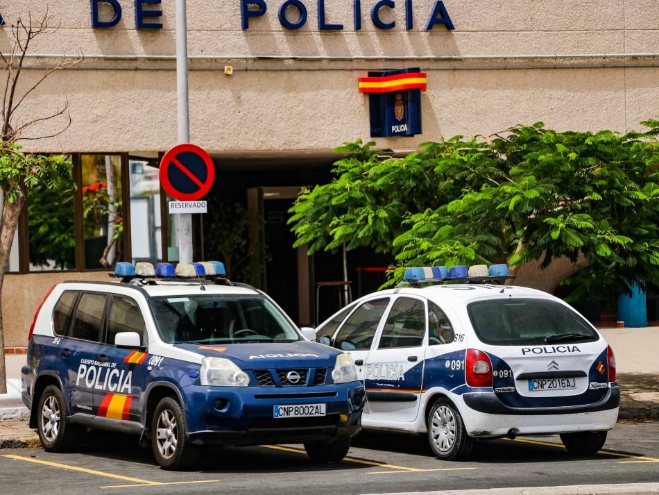 Policia Nacional Citroen Xsara & Nissan Patrol/CNP2008AL & CNP2016AL