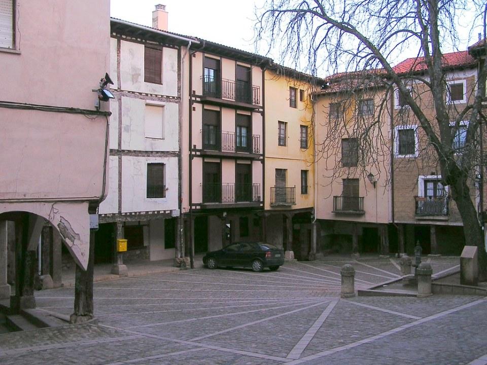 Burgos Plaza Poza de la Sal 19