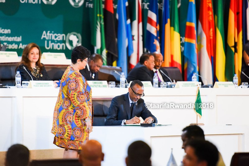 D African Heads of State sign the African Free Trade Area (35)