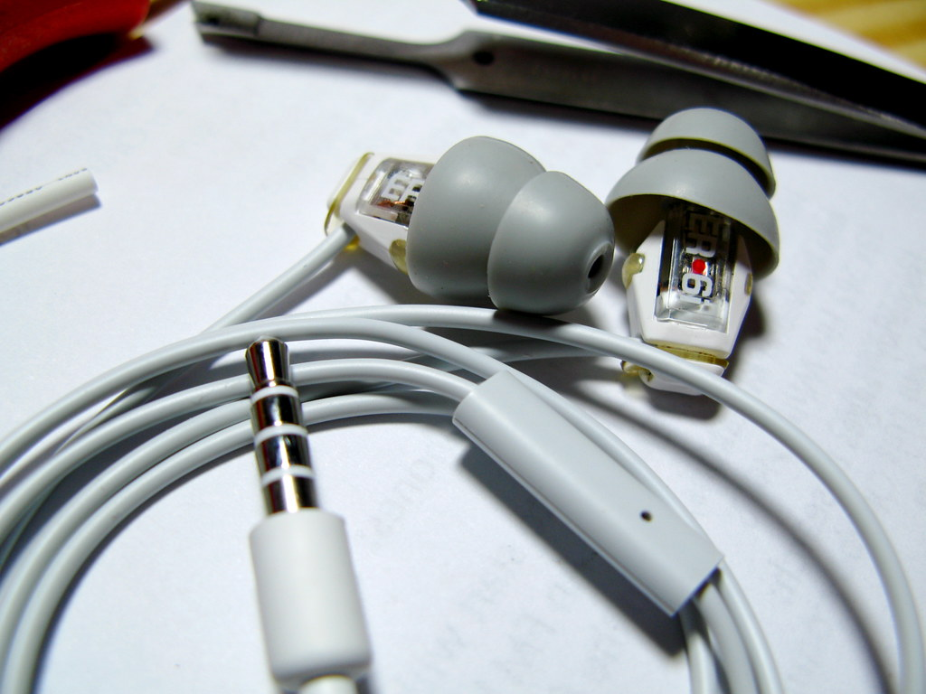 hight resolution of by jeffb etymotic er6i iphone headset by jeffb
