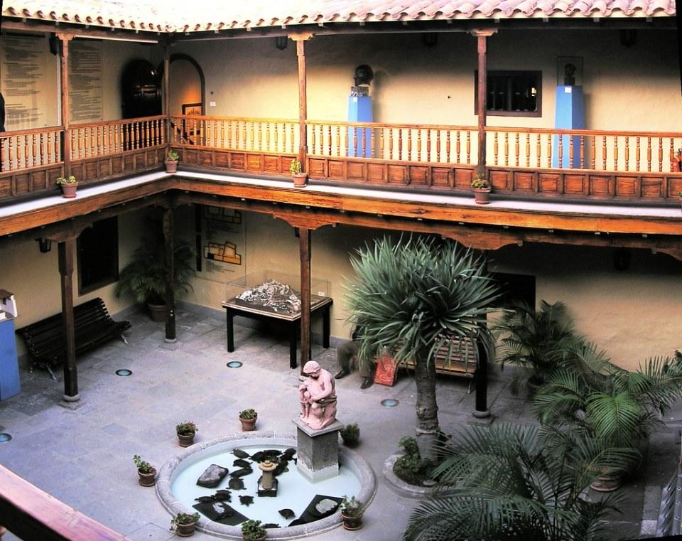 Telde patio interior Casa museo de Leon y Castillo isla de Gran Canaria 05