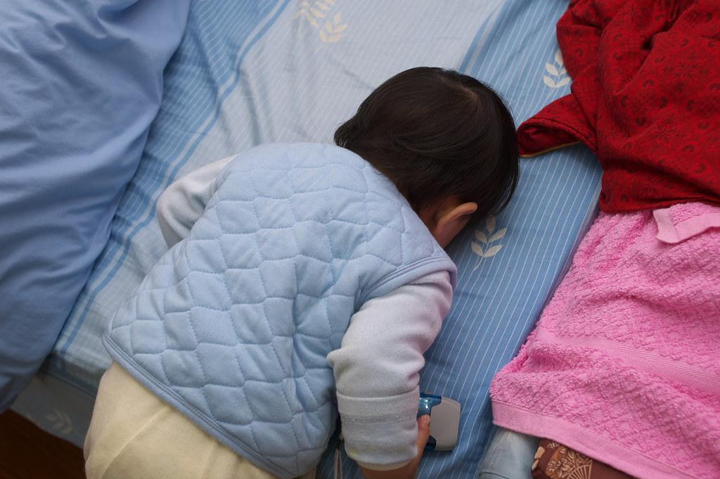 裝睡2 | Taken Date: 2008:01:31 21:19:05 Model: NIKON D50 | Andy Huang | Flickr