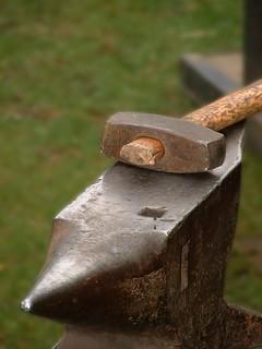 Le Marteau Et L Enclume : marteau, enclume, L'enclume, Marteau., Outils, Nécessitent, Sér…, Flickr