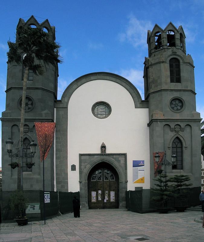 Basilica de San Juan Bautista fachada portada exterior Telde isla de Gran Canaria 01