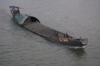 Sandtransport am Wasser