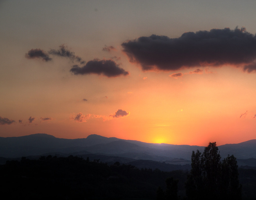 Sunset View From The Hotel Tortorina In Urbino Italy Flickr