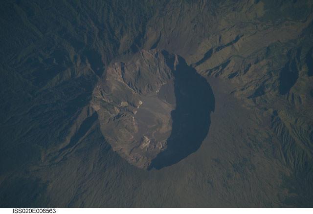 Mount Tambora Volcano Indonesia Nasa International Spac Flickr